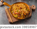 Chinese noodles with chicken 39658987