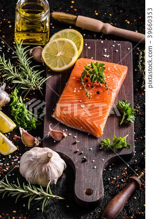 Fresh salmon fillet 39660353