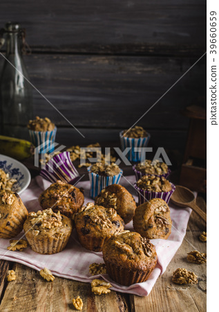Whole grain muffins with dark chocolate and nuts 39660659