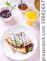 Homemade crepes with berries 39662647