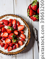 Cheesecake with strawberries 39663260