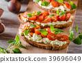 cheese tomato bread 39696049