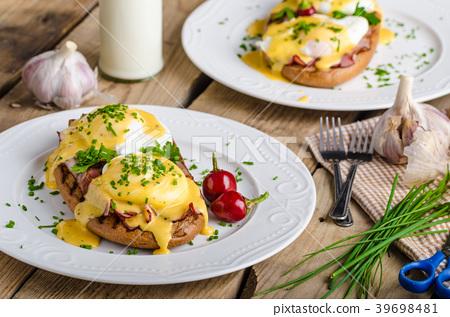Eggs Benedict 39698481