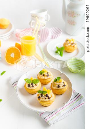 Fruit muffins 39699265