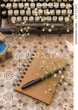 Spring or summer freelance writing concept 39731365