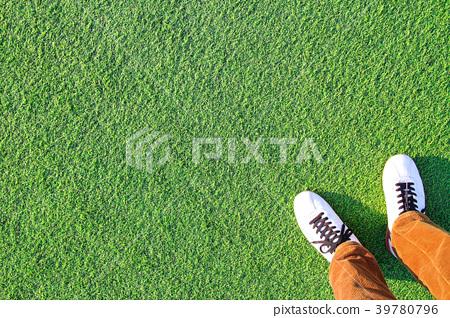 人造草和腳 39780796