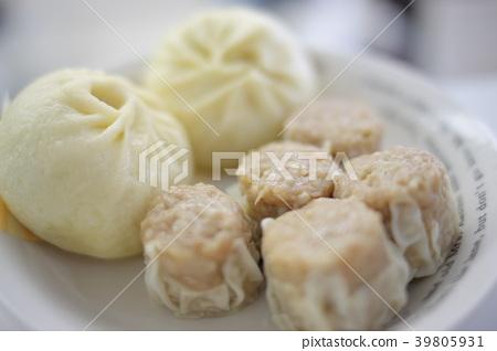 ชูไมและขนมปังหมูทุบรูปสต็อก 39805931