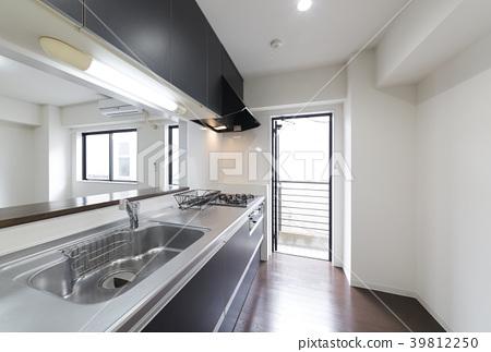 公寓改造廚房與自助入口建設的例子 39812250
