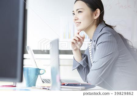 女商人书桌工作 39829862