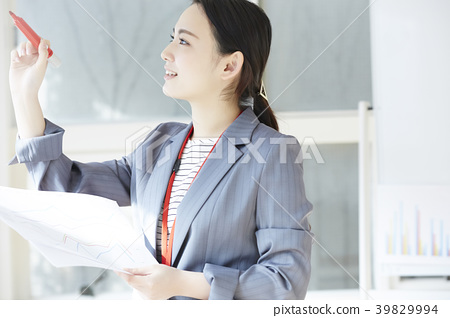 Female business woman 39829994
