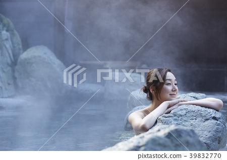 溫泉女人肖像 39832770