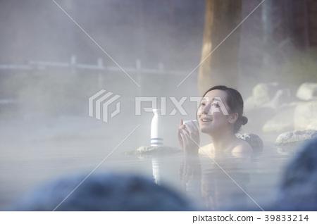 溫泉女人肖像 39833214