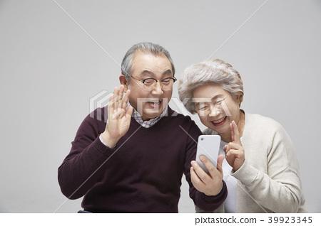 커플,시니어,노인,노년,취미,휴식,여가,데이트 39923345