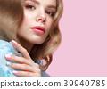 makeup manicure woman 39940785