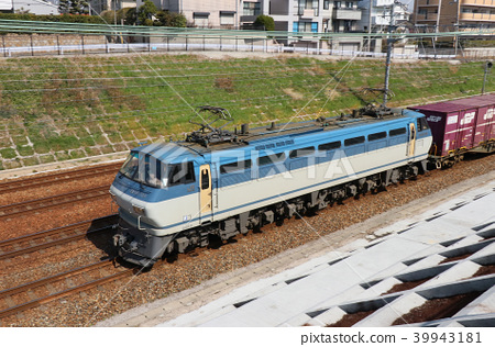 EF66 limited express freight that runs on Tokaido Line 39943181
