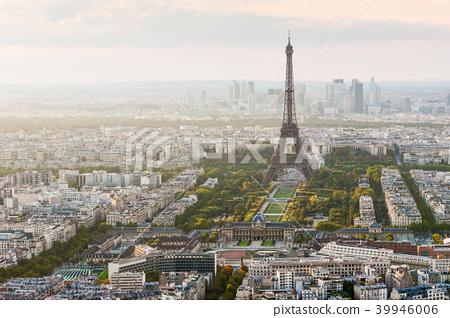 Eiffel tower aerial view - Paris Skyline 39946006