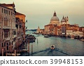 Venice Grand Canal sunrise and boat 39948153