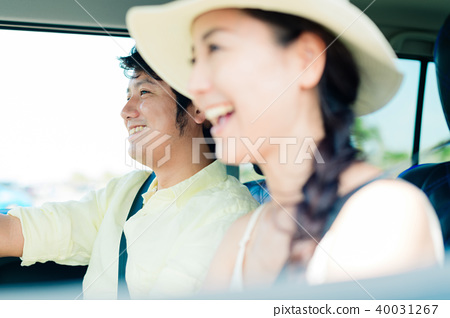 年輕的男人和女人 40031267