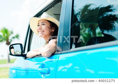 年輕女子車 40031275