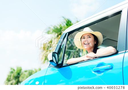 年輕女子車 40031278