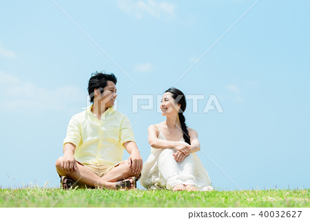 Man and woman couple large sky 40032627