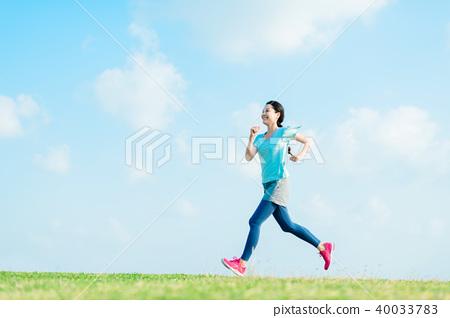 跑步的女人 40033783