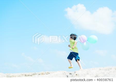 Balloon and children 40038761