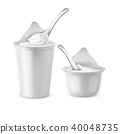 Vector set of white pots with yogurt or sour cream 40048735