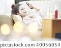 一個年輕成年女性 女生 女孩 40056054