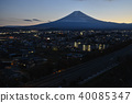 從山上看到的富士吉田市和富士山 40085347