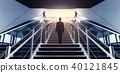 男子爬楼梯 40121845