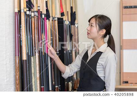 Billiard image woman hustler 40205898