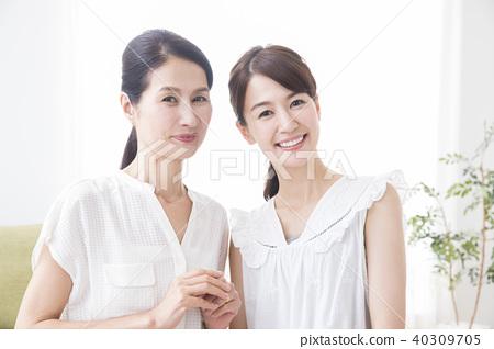 두 여자 40309705