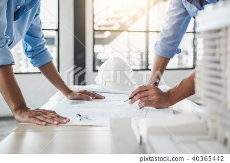 Construction concept of Engineer or architect meeting for projec 40365442