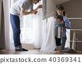 ครอบครัว,ซักผ้า,ซักรีด 40369341