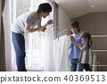 ครอบครัว,ซักผ้า,ซักรีด 40369513