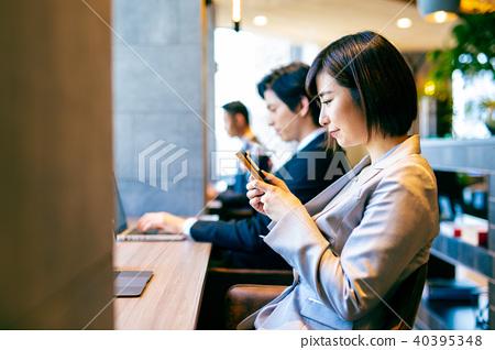 Cafe Cafe สมาร์ทโฟน Woman 40395348
