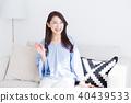 소파에 앉아 여성 40439533