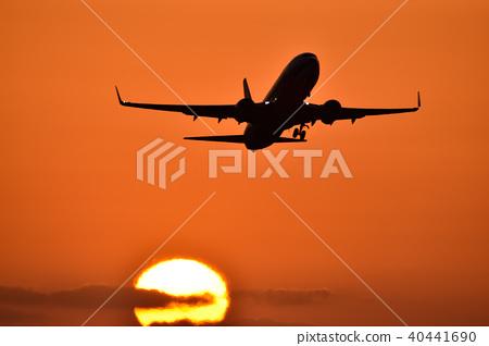 日落和飛機剪影日落和飛機剪影 40441690