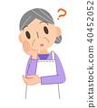 앞치마 차림의 노인 여성 · 생각 40452052
