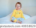 infant, bed, girl 40658620