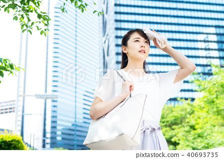 Business woman (summer) 40693735
