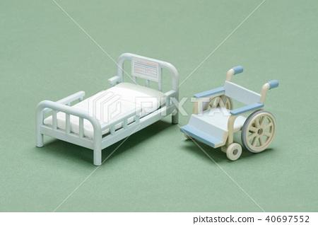 床和輪椅模型 40697552