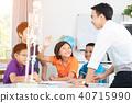 teacher explains a human body structure to pupil. 40715990