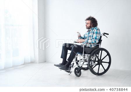 坐輪椅的人 40738844