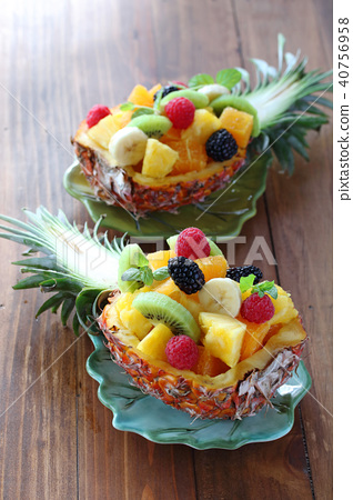 Pineapple Boat 40756958