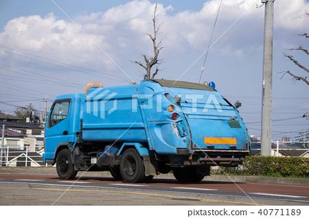Garbage truck 40771189