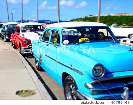 與古巴經典汽車的風景 40795448