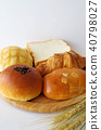 Bread and wheat 40798027