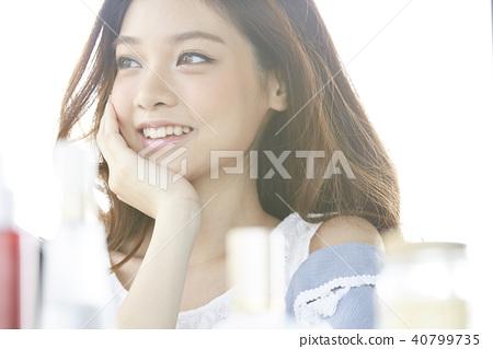 女性化妆美容 40799735